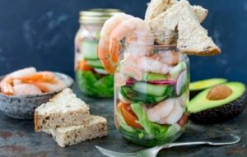 MASON JAR LAYERED PRAWN COCKTAIL SALAD