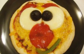Homemade Smiley Face Pizza Recipe For Children To Make At Home